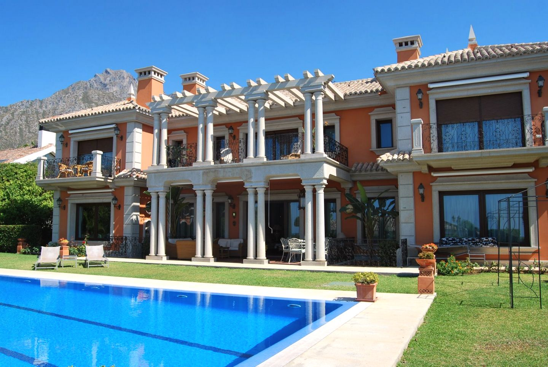 Villa en sierra blanca c sar vila rodr guez for Villa de casas